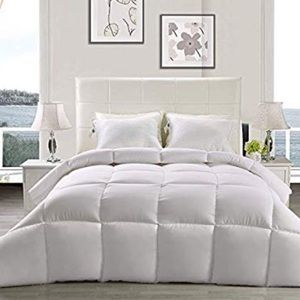 Other - Ultra Soft Down Alternative Comforter